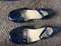 Girls flat navy sandals size 13