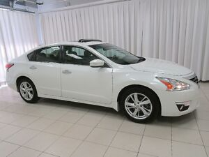 2015 Nissan Altima SL LEATHER , SUNROOF AND NAVIGATION!