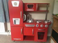 Kid Kraft retro kitchen
