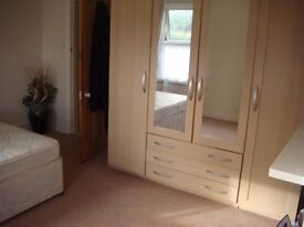 Great Double Rooms in Fabulous Cottage in East London