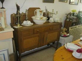 VINTAGE LIGHT OAK ORNATE SIDEBOARD. IDEAL AS IS, OR PAINTED. VIEWING/DELIVERY AVAILABLE