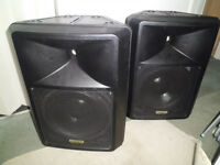 Pair of active 220W RMS speakers