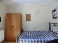 Lovely room available in Clapham Common, £160 available from 14/07 all bills included free wifi!