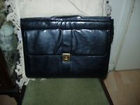 buisiness womans leather handbag fitted carrying case key