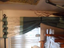 GEORGEOUS FULLY LINED CURTAINS - AS NEW 46 X 90