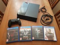 Sony Playstation PS4 + 4 Games