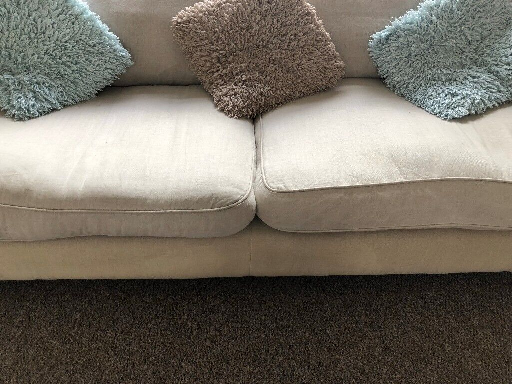 Sofa free to colletc in Gillingham