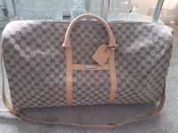 Gucci extra large men's travel bag. 100% genuine.