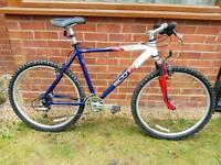 "Scott. Very lightweight 19"" frame aluminium mountain bike."
