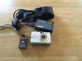 Cannon IXUS400 Digital Camera [4MP, 3 x optical]