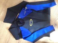 new diving suit 2,5mm wet suit man size (large but fit medium ) never used