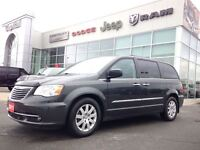 2011 Chrysler Town & Country Touring, Leather & Nav