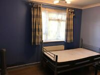 **ALL BILLS INCLUSIVE** SPACIOUS SINGLE ROOM TO LET £450 PER MONTH **FREE WIFI**