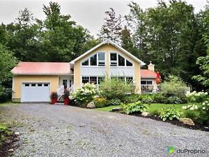 298 000$ - Maison à un étage et demi à vendre à Stukely-Sud