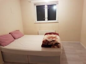 LARGE DOUBLE BEDROOM AVAILABLE TO RENT IN PORTSWOOD FOR 400 MONTHLY