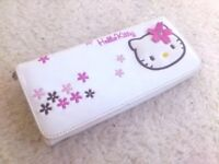 'Hello Kitty' wallet / purse - hardly used, as new (good 'small' present for Xmas ....)