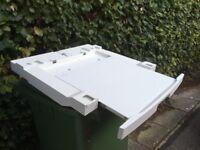 Washing machine/tumble dryer stacking unit