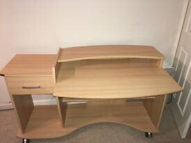 Desk/Workstation in excellent condtion £40 ONO