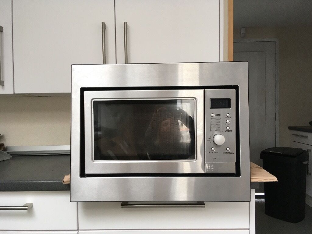 Howdens Lamona Integrated Microwave And Grill Very Good Condition
