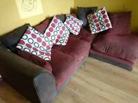 Corner suit with cushions