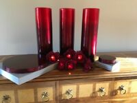 Set of vases, mats and decor lights