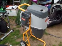 ryobi garden shredder very little use very clean buyer to collect