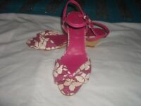 LADIES SMALL WEDGE SANDALS.SIZE 5 (NEW LOOK)