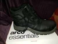 Size 8 arco safety boots new