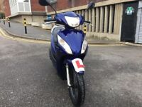 Honda vision 2012 blue 110 cc excellent runner hpi clear!!