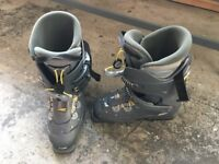 Pair of Salamon Ski Boots, Size 9
