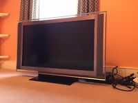 """Sony BRAVIA 40"""" Full High Definition LCD TV -- KDL-40XBR --- Good condition. Pickup only (Tooting)"""