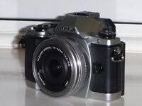 Olympus OMD EM10 with 14-42mm EZ Lens micro 4/3