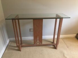Beautiful glass topped console table and 2 matching upright lamps - perfect condition