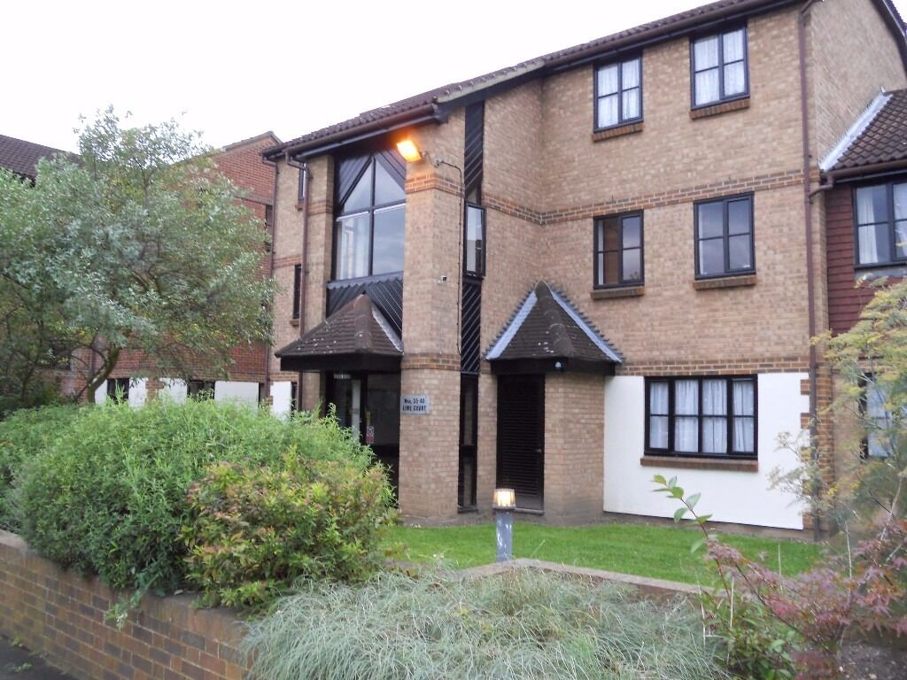 stunning ground floor 1 bedroom flat : Mitham/ Colliers Wood