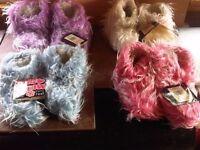 Job Lot - Kids Furry Slippers