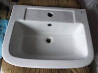 1 tap hole semi counter top basin