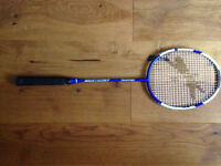 Slazenger NXcel S1 Badminton Racket needs restringing hence the price