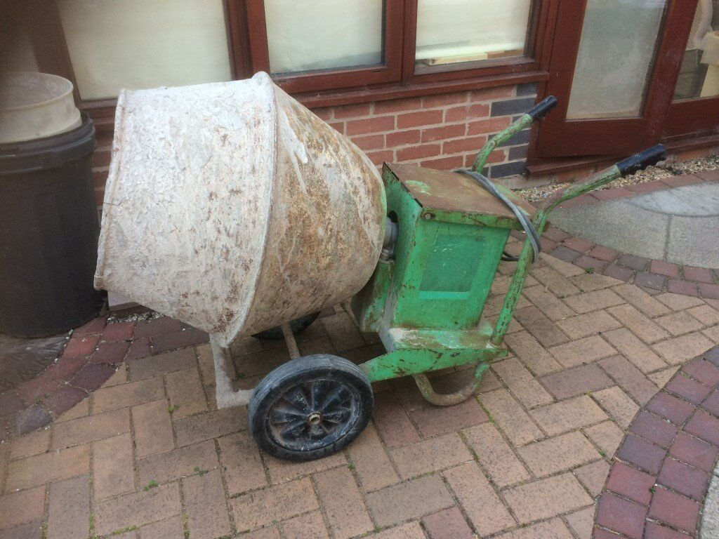 Parker 110v cement mixer with stand