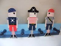 3 PIRATES, HANGING CLOTHES BOARD WITH 4 PEGS by GISELA GRAHAM,
