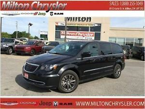 2015 Chrysler Town & Country S