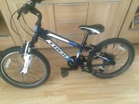 BOYS MOUNTAIN BIKE ***TREK*** MT60