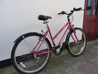 Ladies Raleigh cycle In really good condition and ready to ride away
