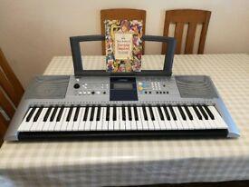 Yamaha Keyboard PSR-323