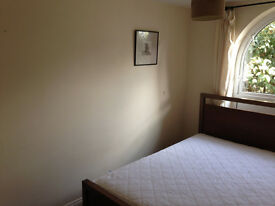 Double partly furnished room to rent in Brighton Marina. Separate entrance!