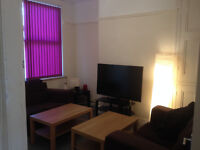 CLEANED FORTNIGHTLY - Double Bedroom in good condition 4 Bed House £60pw incl bills
