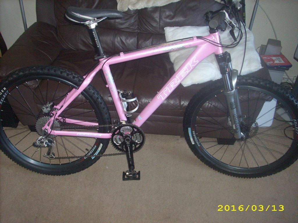Trek 6700 slr mountain bike female ladies girls pink very rare high spec little used 18