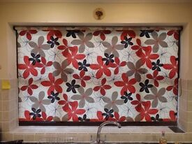 Red and black flower pattern roller blind