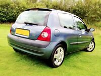 A GORGEOUS CLIO WITH LOW MILEAGE PARTICULARLY WELL KEPT.