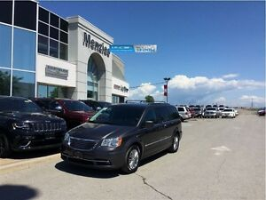 2016 Chrysler Town & Country Touring Leather, Bluetooth, Clean C