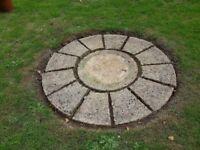 Patio Slabs .. Making a Circle
